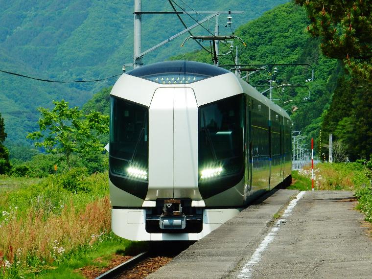 列車とバスで南会津と世界遺産日光旅写真