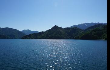 田子倉湖モーターボート